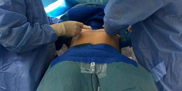 Riscos na mamoplastia de aumento com implantes de silicone